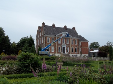 External painting in Leicestershire using an elevated working platform